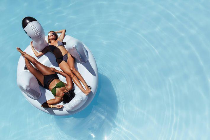 La Posada has a shimmering swimming pool