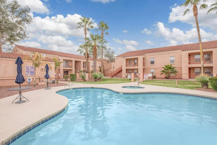 Take a dip in the shimmering swimming pool at La Posada