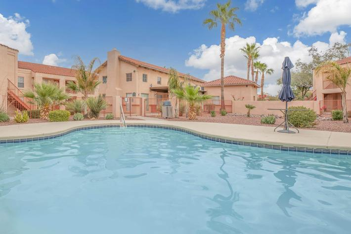This is the pool at La Posada apartments for rent