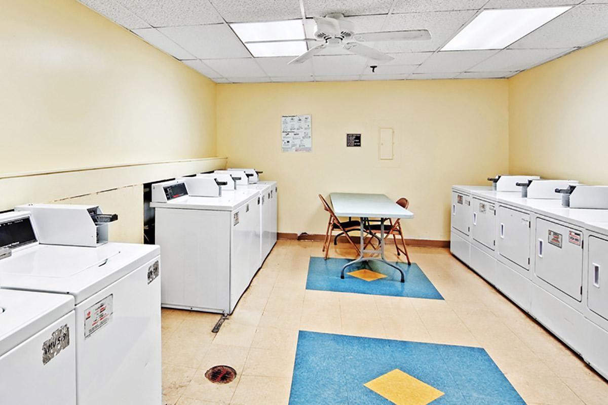 Laundry_view_02.jpg