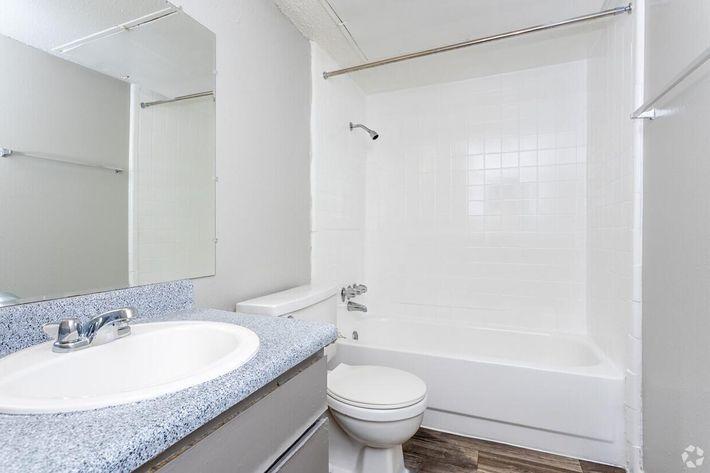 B2 Bathroom.jpg