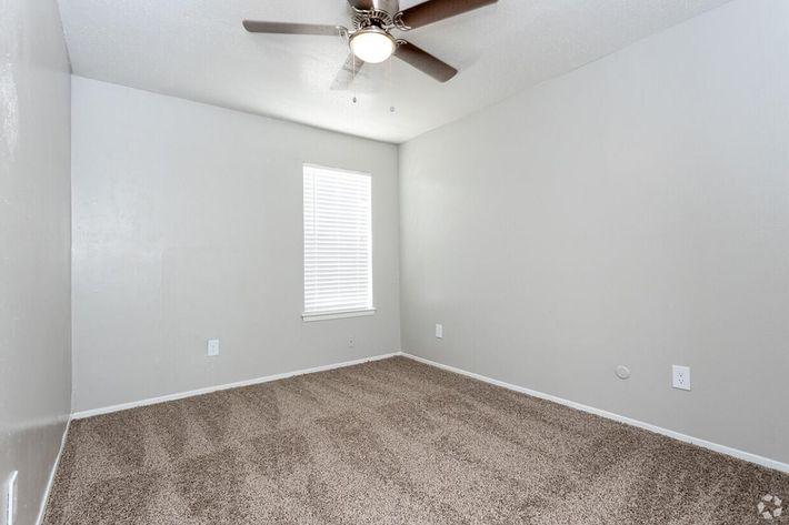 B2 Guest Bedroom.jpg