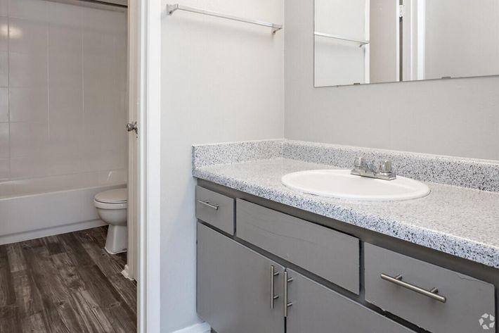B3 Bathroom.jpg