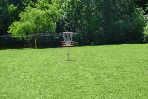 Frisbee Golf at The Knolls in Nashville