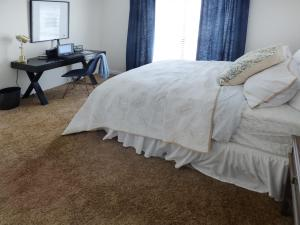 The Chelsea Bedroom at The Knolls