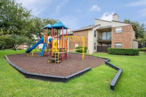 THE PLAYGROUND AT MARBLETREE APARTMENTS
