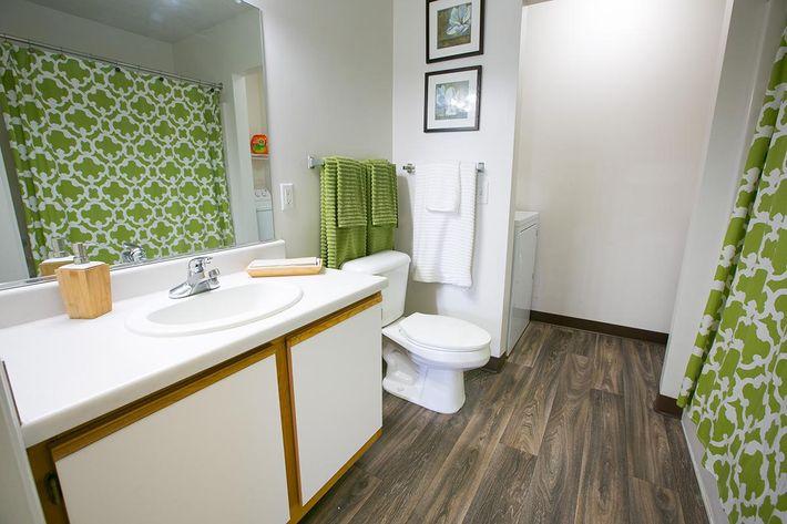 Bathroom Western Reserve.jpg