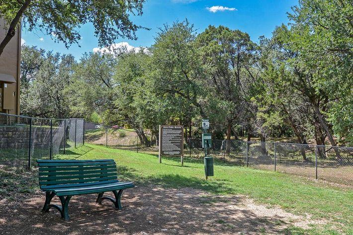 The Reserve at Canyon Creek Apartments in San Antonio, TX - Dog Park 01.jpg