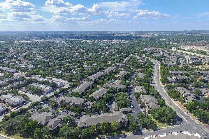 The Reserve at Canyon Creek Apartments in San Antonio, TX - Exterior 12.jpg