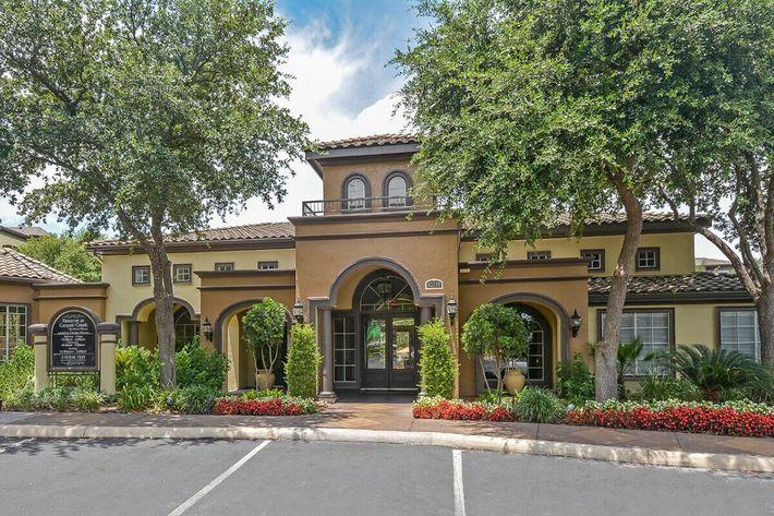 The Reserve at Canyon Creek Apartments in San Antonio, TX - Exterior 20.jpg