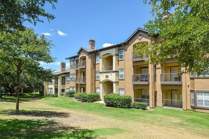 The Reserve at Canyon Creek Apartments in San Antonio, TX - Exterior 24.jpg