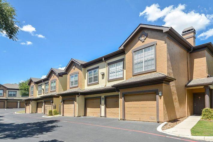 The Reserve at Canyon Creek Apartments in San Antonio, TX - Exterior 33.jpg