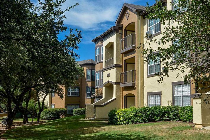 The Reserve at Canyon Creek Apartments in San Antonio, TX - Exterior 39.jpg