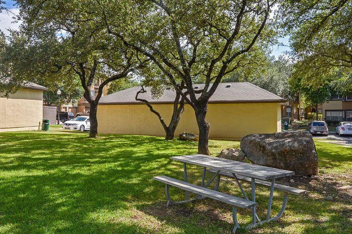 The Reserve at Canyon Creek Apartments in San Antonio, TX - Exterior 41.jpg