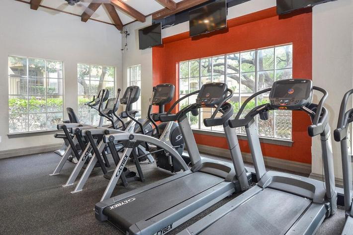 The Reserve at Canyon Creek Apartments in San Antonio, TX - Fitness Center 02.jpg