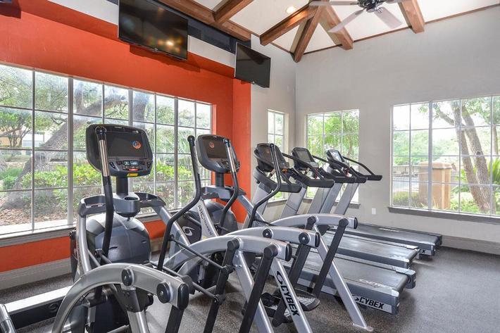 The Reserve at Canyon Creek Apartments in San Antonio, TX - Fitness Center 03.jpg