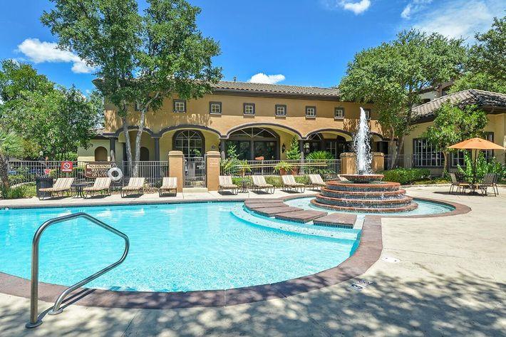 The Reserve at Canyon Creek Apartments in San Antonio, TX - Swimming Pool 07.jpg