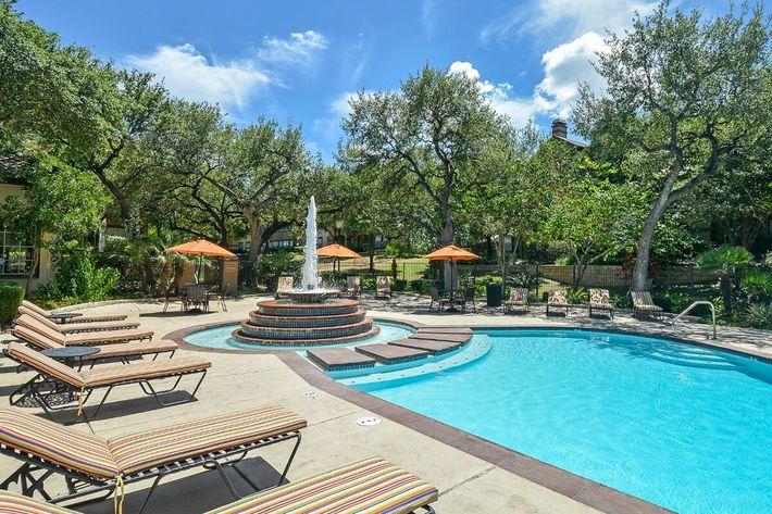 The Reserve at Canyon Creek Apartments in San Antonio, TX - Swimming Pool 10.jpg