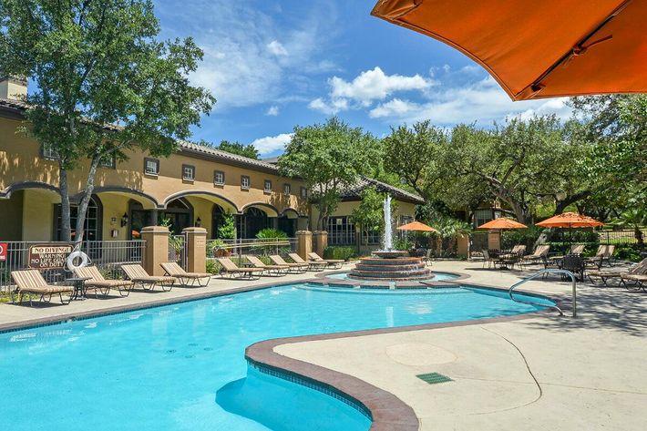 The Reserve at Canyon Creek Apartments in San Antonio, TX - Swimming Pool 13.jpg