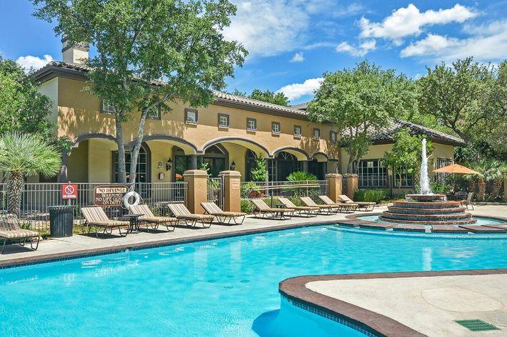 The Reserve at Canyon Creek Apartments in San Antonio, TX - Swimming Pool 14.jpg