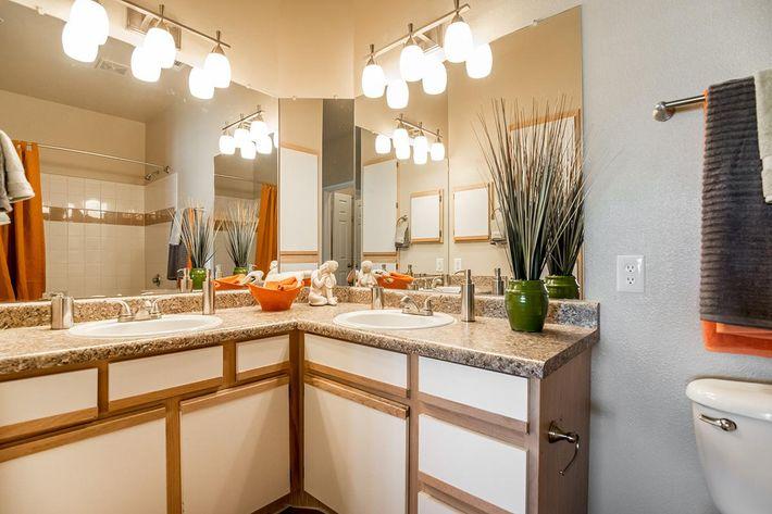 The Reserve at Canyon Creek Apartments in San Antonio, TX - Interior 09.jpg