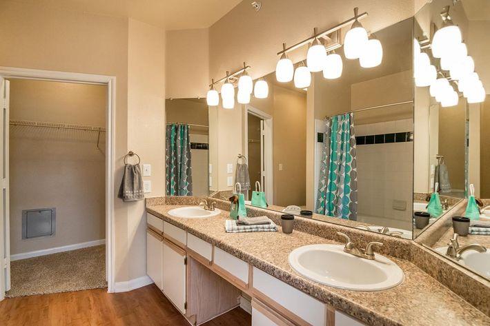 The Reserve at Canyon Creek Apartments in San Antonio, TX - Interior 26.jpg