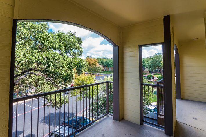 The Reserve at Canyon Creek Apartments in San Antonio, TX - Interior 30.jpg