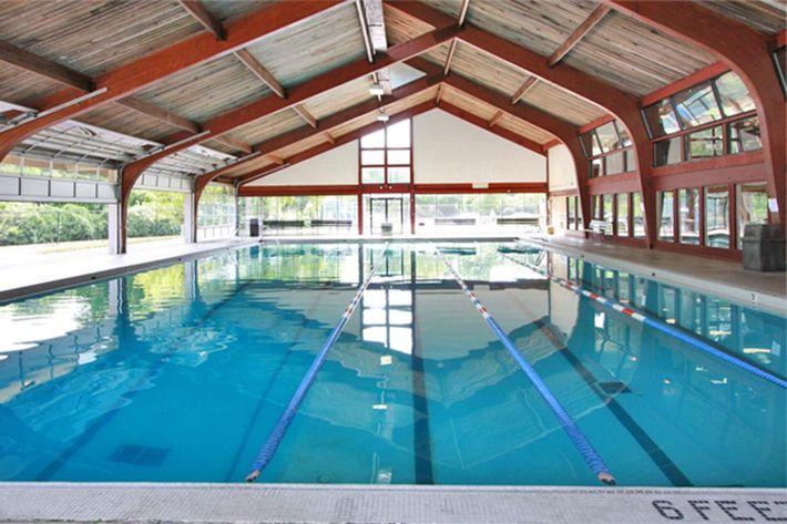 Pool 020.jpg