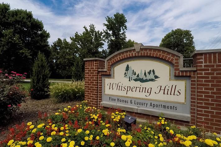 Whispering Hills Apartments in Creve Coeur, MO - Exterior 01.jpg