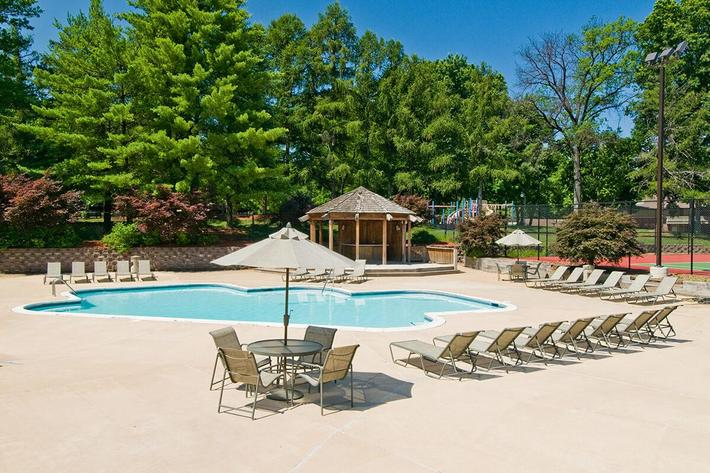 Whispering Hills Apartments in Creve Couer, MO - Swimming Pool 01.jpg