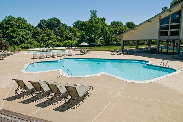 Whispering Hills Apartments in Creve Couer, MO - Swimming Pool 02.jpg