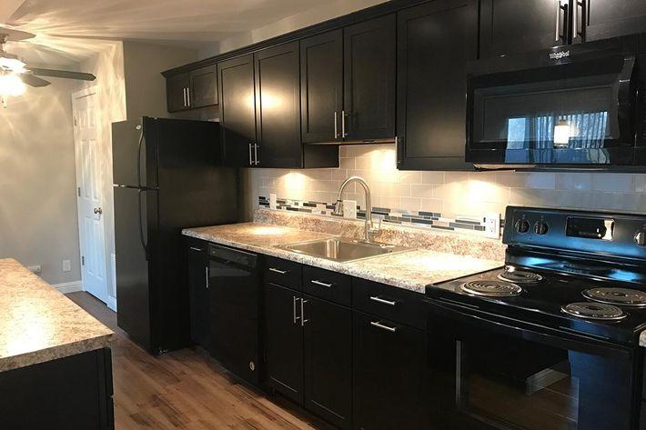 12541M Kitchen Sideview.jpg