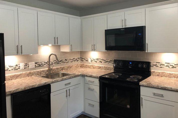 12750G Kitchen.jpg