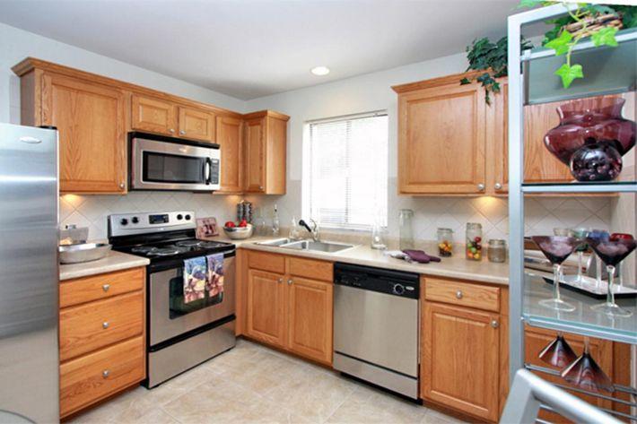 TH Kitchen.jpg