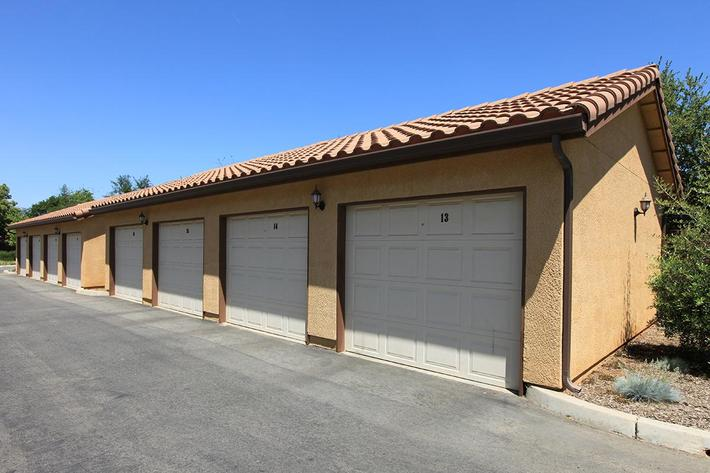 Villa Siena Apartments offers garages