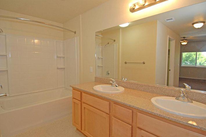 Villa Siena Apartments provides double sinks in the 3 bedroom 2 bathroom floor plan