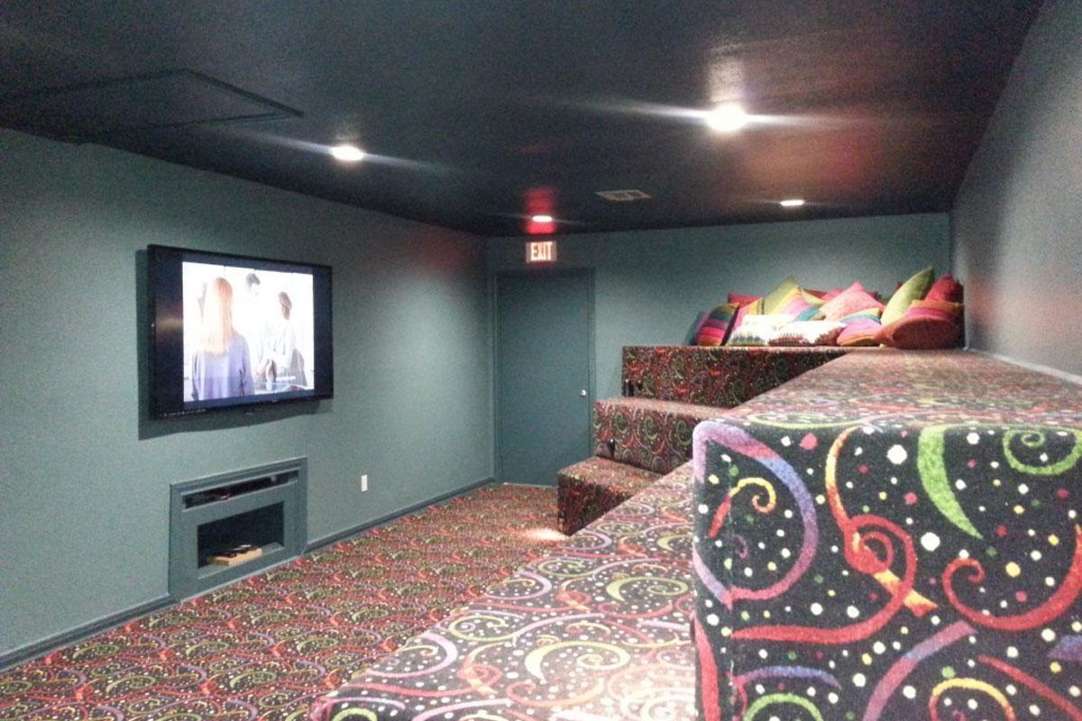 RV20Theater20Room20picture1.jpg
