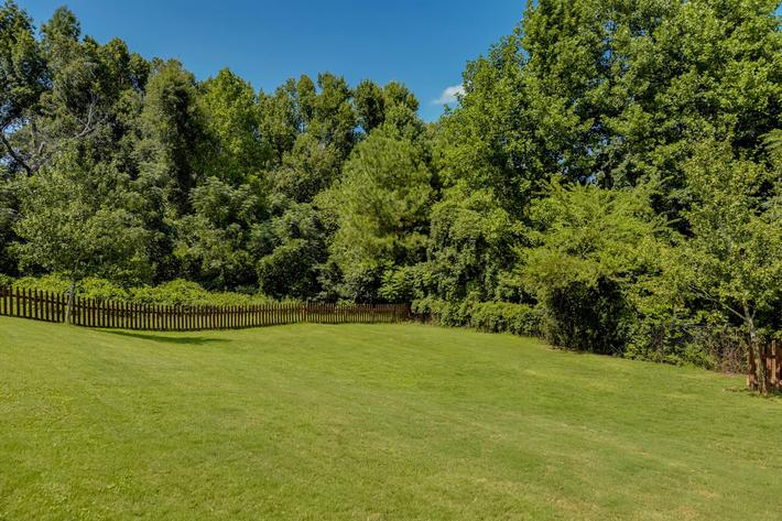 Walden Glen Apartments in Evans, GA - Dog Park 02.jpg