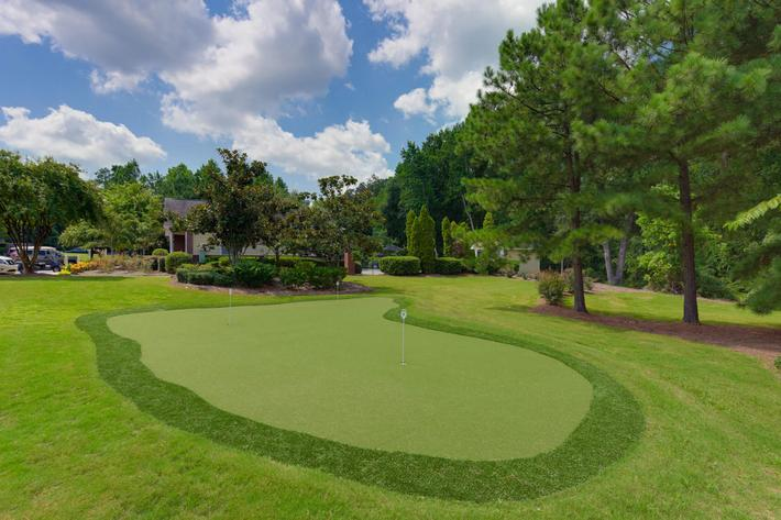Walden Glen Apartments in Evans, GA - Putting Green 01.jpg