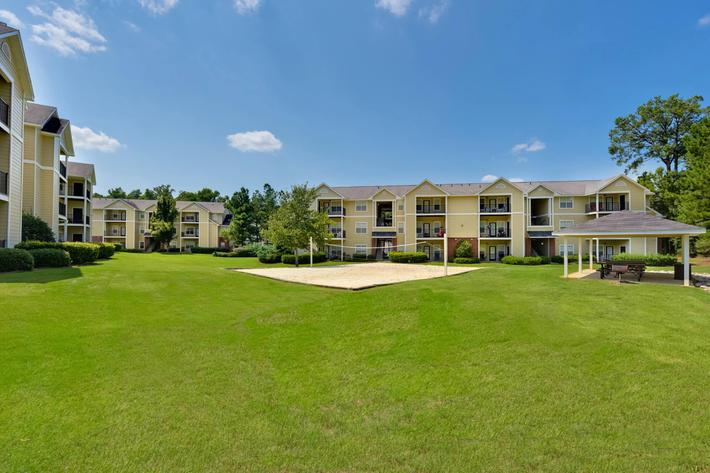Walden Glen Apartments in Evans, GA - Sand Volleyball 01.jpg