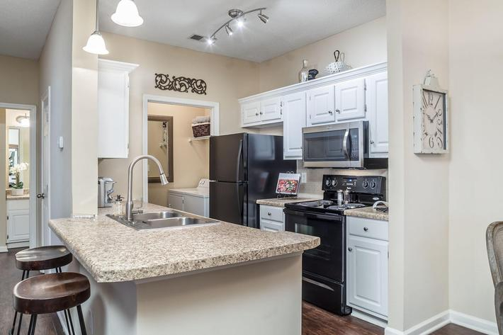 Walden Glen Apartments in Evans, GA - Interior 06.jpg