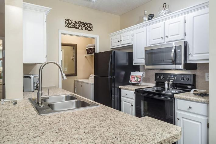 Walden Glen Apartments in Evans, GA - Interior 07.jpg