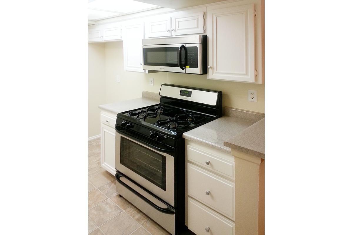 KitchenMicrowave.jpg