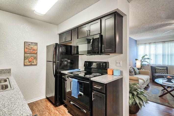 Kitchen_175-N-LOCUST-HILL-DR-LEXINGTON-KY_RAINTREE-Apts_RPI_II-289660-78.jpg