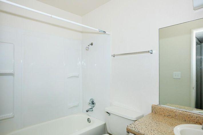 CONTEMPORARY BATHROOM AT PARK 80 IN LAS VEGAS