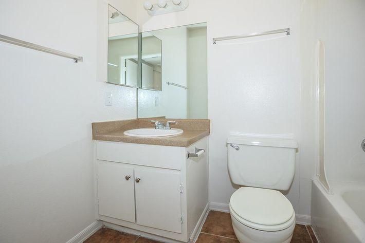 MODERN BATHROOM AT PARK 80 IN LAS VEGAS