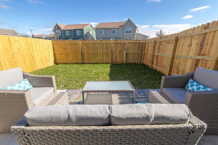Backyard Patio Furniture_3.jpg