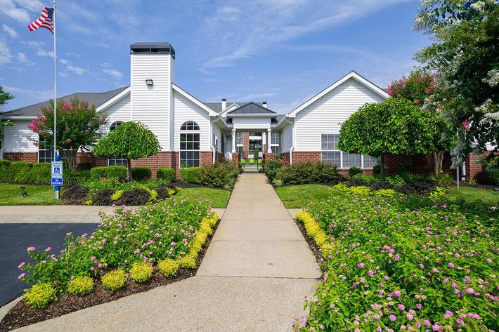 Reserve at Harpers Point Apartments in Murfreesboro, TN - Exterior 01.jpg