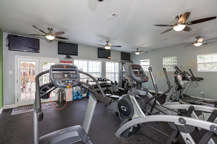 Reserve at Harpers Point Apartments in Murfreesboro, TN - Fitness Center 01.jpg