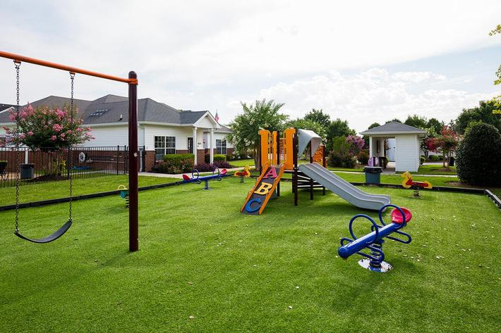 Reserve at Harpers Point Apartments in Murfreesboro, TN - Playground 02.jpg